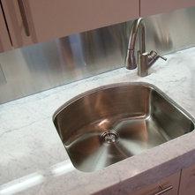 Offset Faucet With A Quot D Quot Shaped Sink