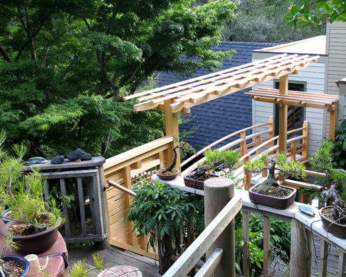 Japanese style bridge deck wisteria pergola for Japanese style bridge