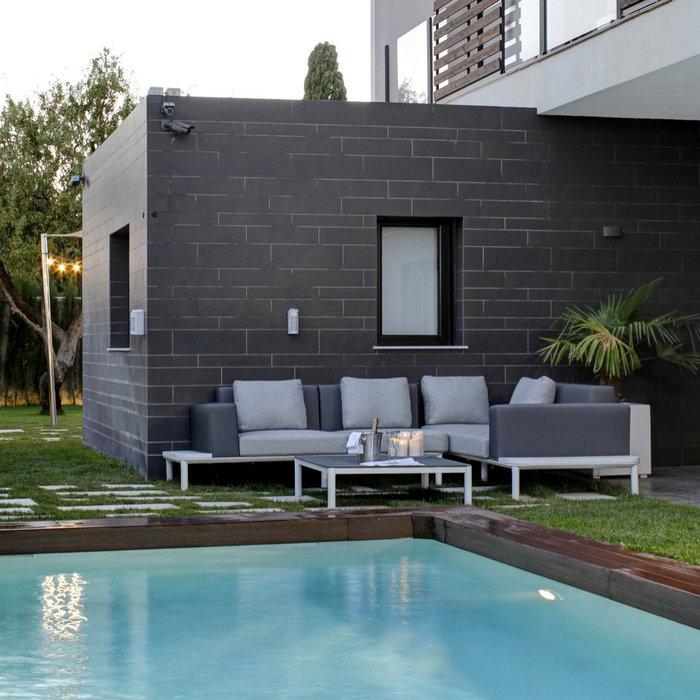 Ejecución de piscina y zonas de ocio de vivienda en Granada.