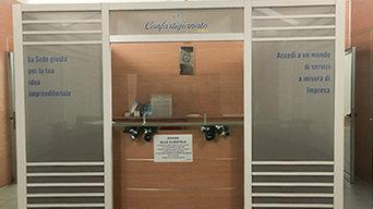 SEDE CONFARTIGIANATO DI FORLI: Realizzazione box reception e brandizzazione