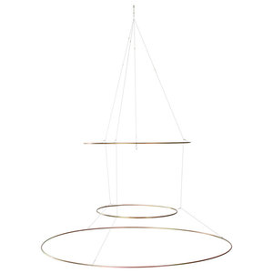 Utoopic Hula Food Acrobatic Feeder by Andreu Carulla