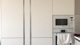 Светлая кухня с профилем гола