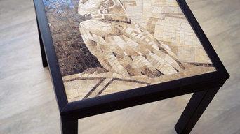 журнальный стол декорированный мраморной мозаикой