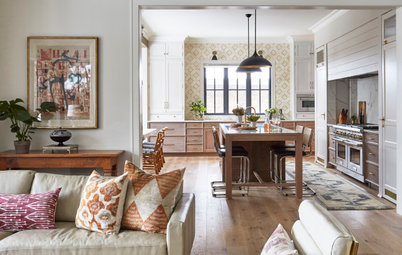 Houzz Tour: 1970s Style Influences a Lakefront Home