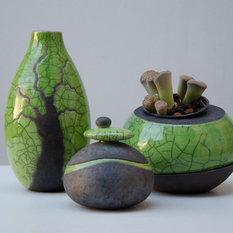 Objets décoratifs et figurines contemporains