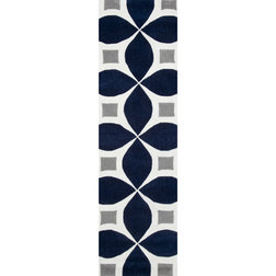 Contemporary Hall & Stair Runners by nuLOOM