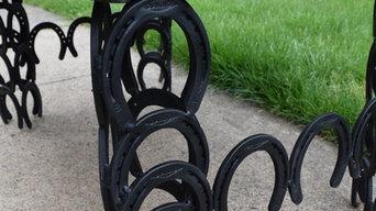 Horse shoe bench