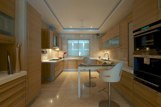 Contemporary  by ZZ Architects