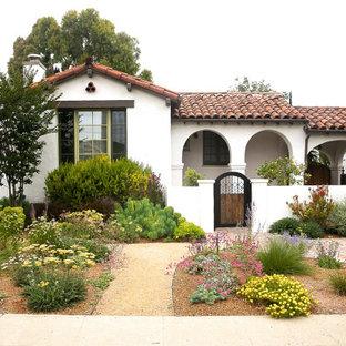 Kleine Mediterrane Wohnidee in Los Angeles