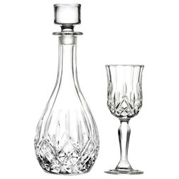 Traditional Decanters by RCR Cristalleria