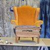 Möbel polstern: Eine Expertin erklärt die Handwerkskunst