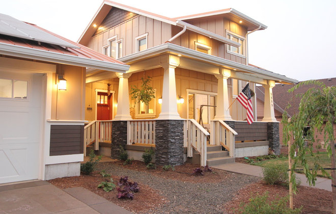 Houzz Tour: Oregon Builder Crafts a Passive House for his Family