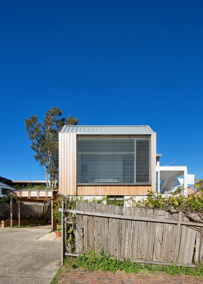 Beach Style  by buck&simple architects