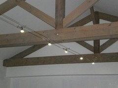 Quels luminaires pour salon cuisine avec poutres for Lumiere exterieur sur fil