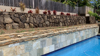 Retaining Rock Wall With Vinyl Fence