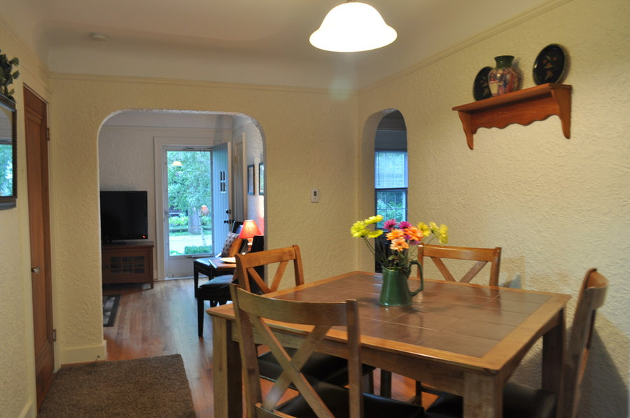 Dining room staging and flow