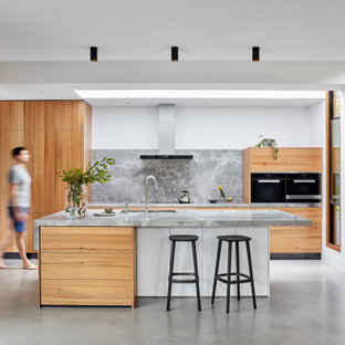 This is an example of a contemporary kitchen in Melbourne.