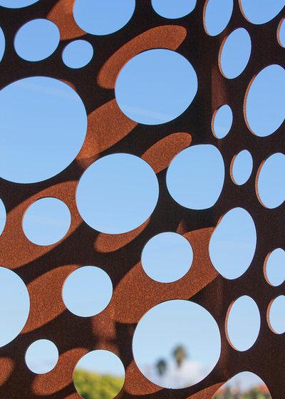 Houzzbesuch baumkrone aus stahl eine l chrige fassade in l a - Oberlicht in wand einbauen ...