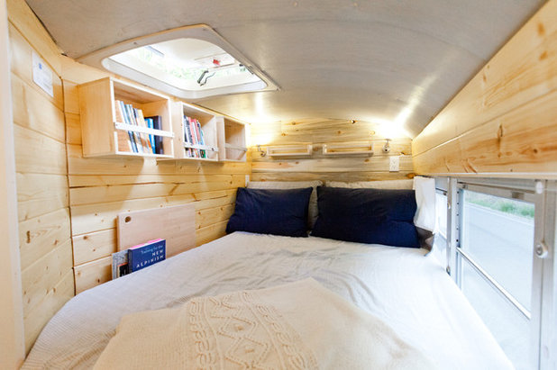 Houzz Tour: A Schoolbus Becomes a Cozy Home for an Outdoors Couple