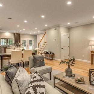 Example of a minimalist home design design in Boston