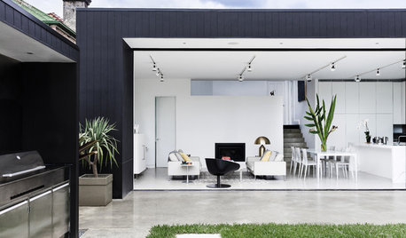 An Out-of-the-Box Solution for a Cramped 1920s Bungalow