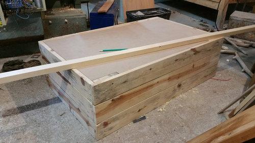 table basse fait maison de palettes et bois flott. Black Bedroom Furniture Sets. Home Design Ideas