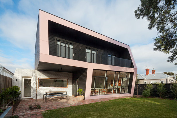 Contemporary Exterior by Poly Studio