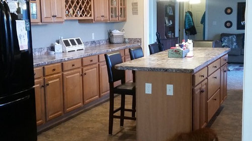 What Color Goes With My Maple Cabinets