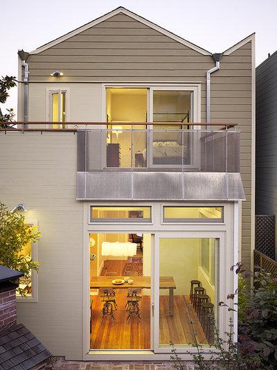 Modern  by Schwartz and Architecture
