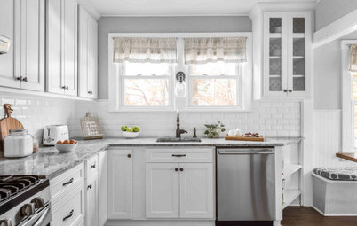 Kitchen of the Week: Refaced Cabinets Lighten Up the Room
