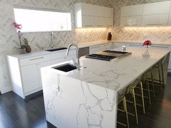 Here Is The Msi Statuary Clique Quartz In My Kitchen With High Gloss White Cabinets