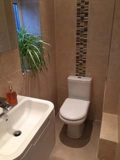 Minimum size requirement of a shower room for Bathroom design 2m x 2m