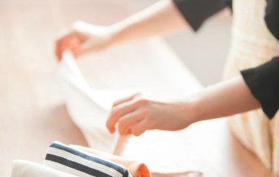 Fold tøj som Marie Kondo – sådan får du genial orden i garderoben