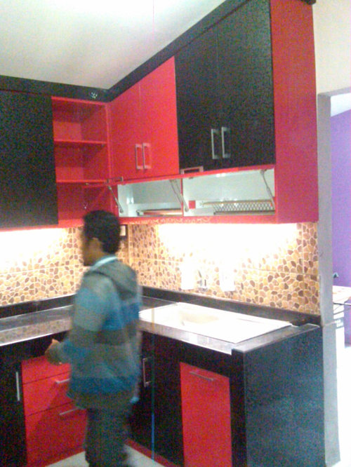Kitchen set bu tri juanda surabaya for Kitchen set royal surabaya