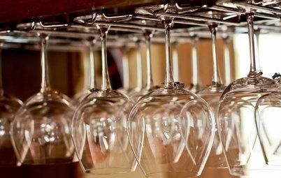 Så förvarar du glas och kastruller på bästa sätt