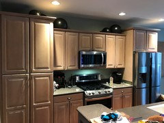 Pickled oak cabinets has me in a pickle over wall color!