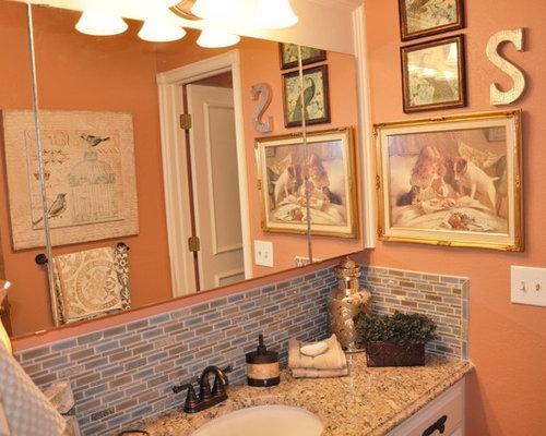 Bagno shabby chic style con pareti arancioni foto idee arredamento