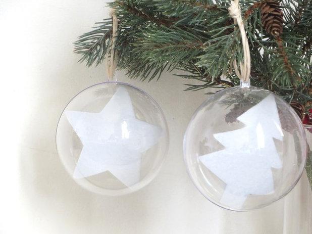 diy 8 id es pour remplir des boules de no l transparentes. Black Bedroom Furniture Sets. Home Design Ideas