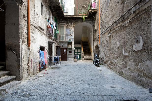 In Montagna Facciata by Cristina Cusani