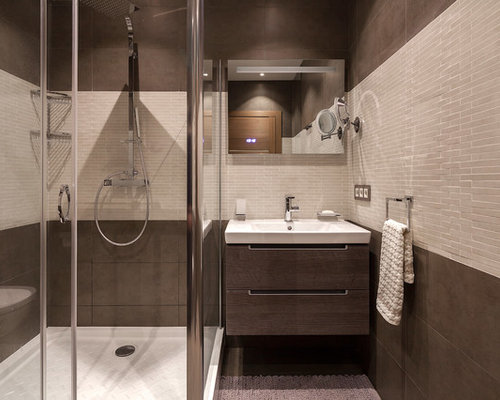 Bathroom Design Ideas, Remodels & Photos with Brown Tile