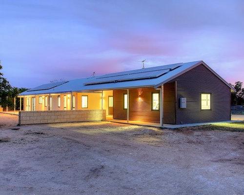 Australian Farmhouse Near Coonalpyn