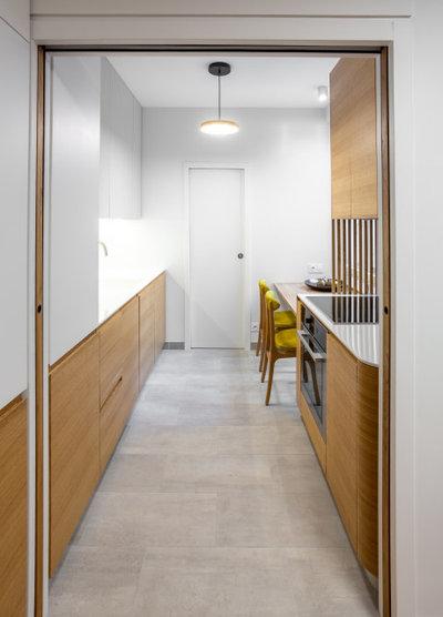 Современный Кухня by ARCHITECT + DESIGNER