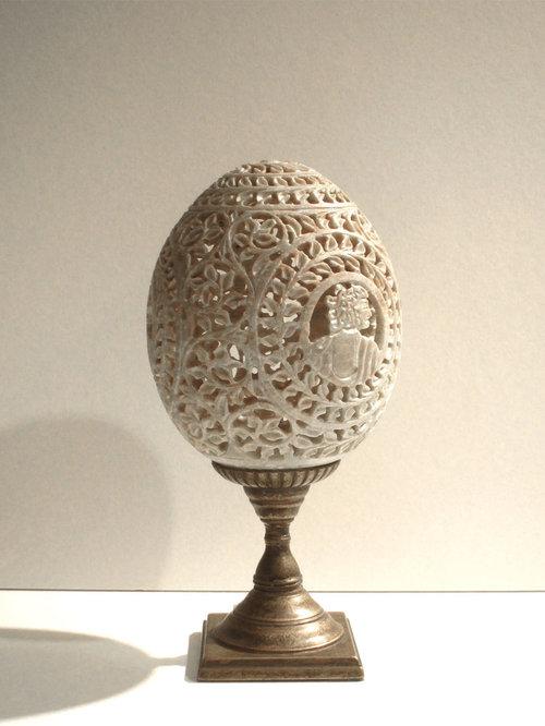 石のオブジェ(卵形) - 部屋の装飾品