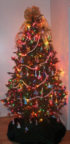 it looked awful and the tree was returned the ornaments i have must have white lights - Christmas Tree White Lights