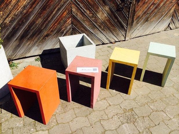 Minimalistisch Deko-Hocker Sitzhocker gefärbter Beton