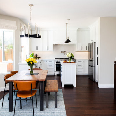 Example of a transitional home design design in San Diego