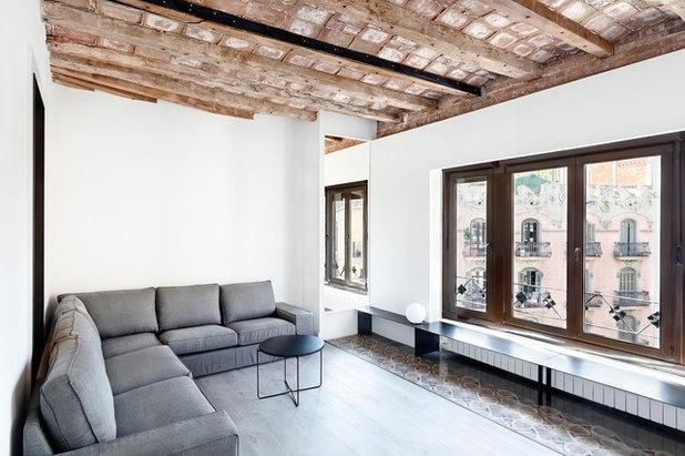 Contemporáneo  by Bea Bombí