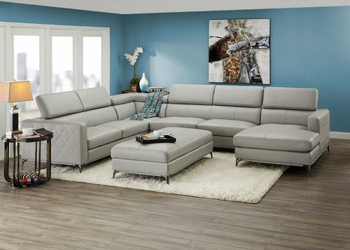 Cherry Hardwood Floor With Gray Furniture, What Color Couch Goes With Grey Flooring