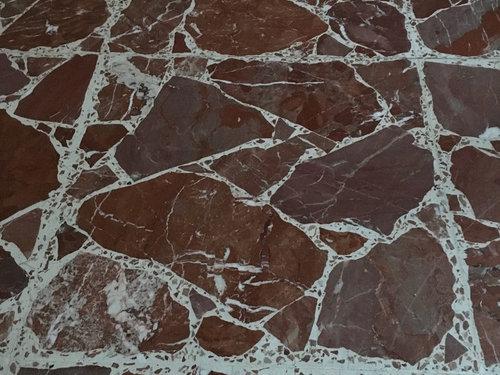 Pavimento Marmo Rosso : Accostamento con pavimento segato rosso