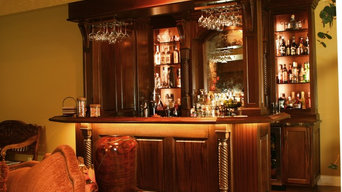 Lower levl Mahogany wet bar